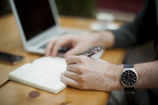 Pożyczka na umowę o dzieło – czy można otrzymać pożyczkę przy umowie o dzieło?