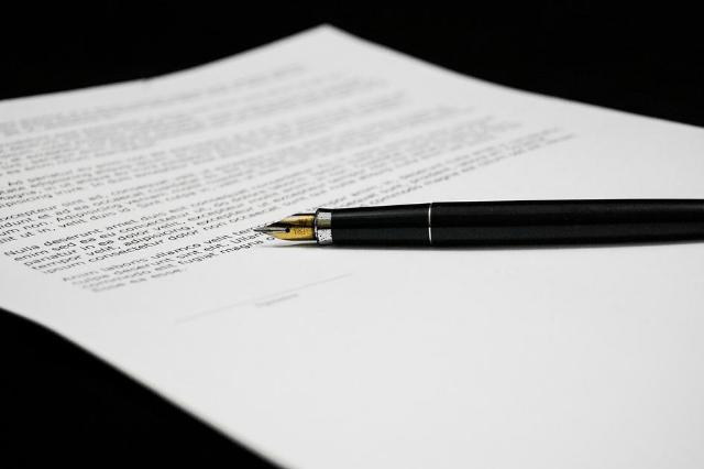 Upoważnienie do konta bankowego – prawa pełnomocnika. Jak działa i czy jest ważne po śmierci?